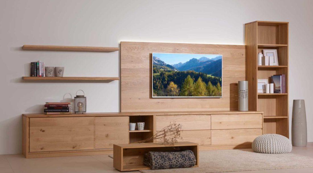 Wohnwand in der Holzart Eiche