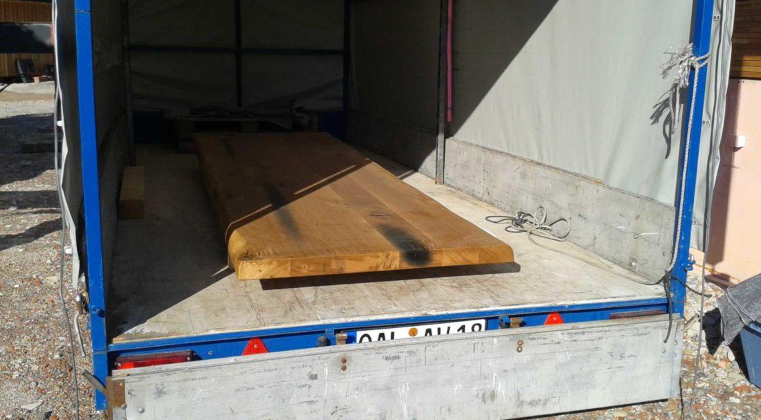 Anlieferung der Eiche Massivholztischplatte