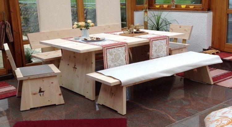 Zirbenholzesszimmer von Tobias Felgner