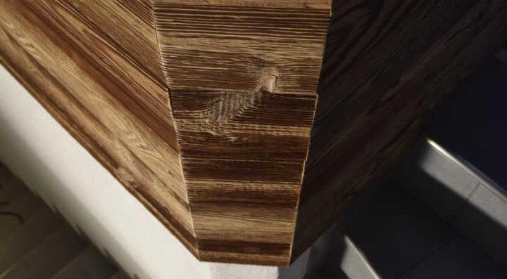 Altholzwandverkleidung Treppenhaus
